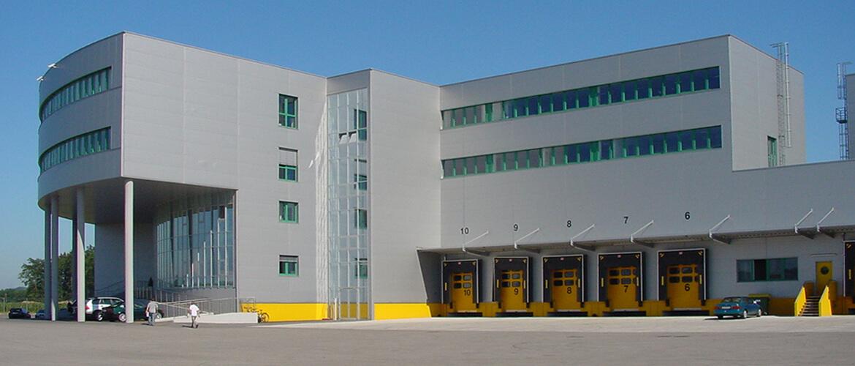 10058_fo_20030612_ach_ghb_gartner_logistikcenter-lambach_verwaltungsgebaeude_westansicht1_rgb-1